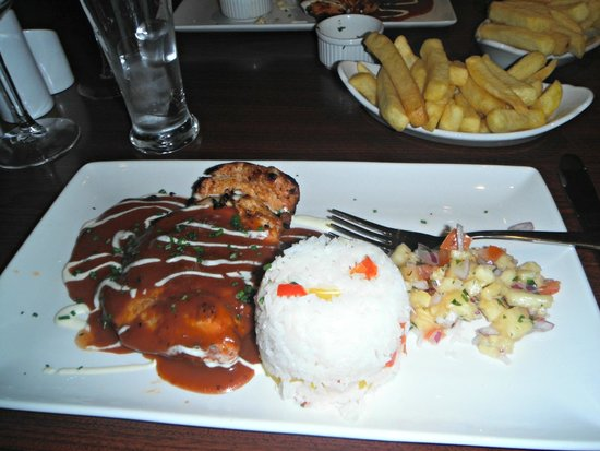 Maldron Hotel Newlands Cross: Dinner was outstanding. The chargrilled chicken was divine..