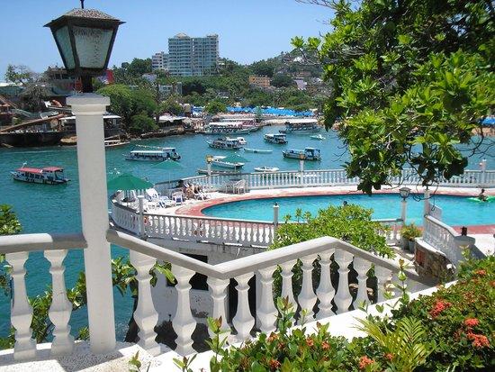 Caleta Beach Resort: Alberca de Sal