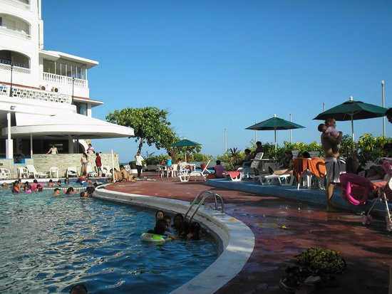 Caleta Beach Resort: Alberca