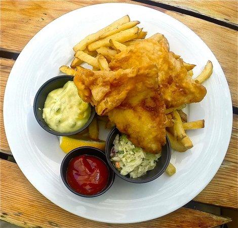 Royal Coachman Neighborhood Pub: Cod 'n' Fries