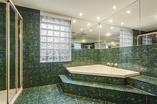 Quality Inn & Suites Knox: Executive Spa Suite