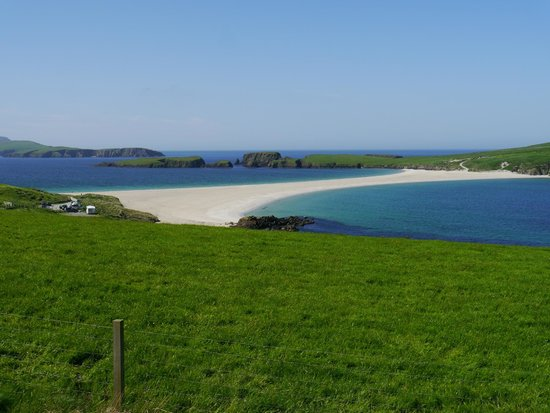 See Shetland with Sarah McBurnie Day Tours: St. Ninian's Tombolo