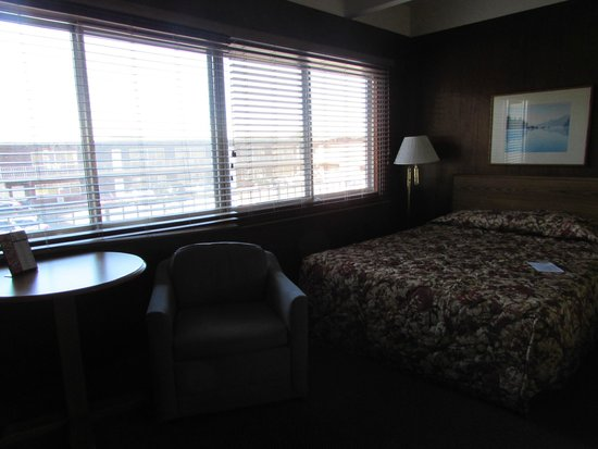 Lodge at Charlevoix: Interior upstairs room. All rooms have 2 queen beds.