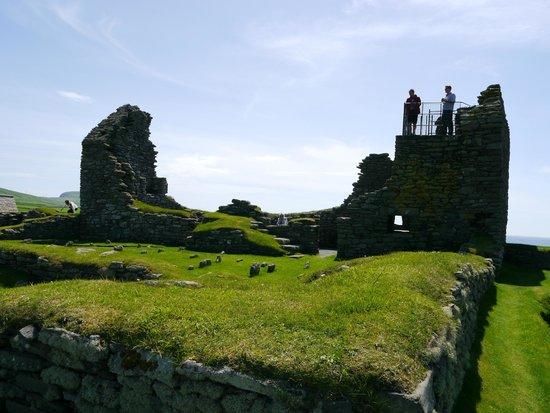 See Shetland with Sarah McBurnie Day Tours: Jarlshof Prehistoric Site