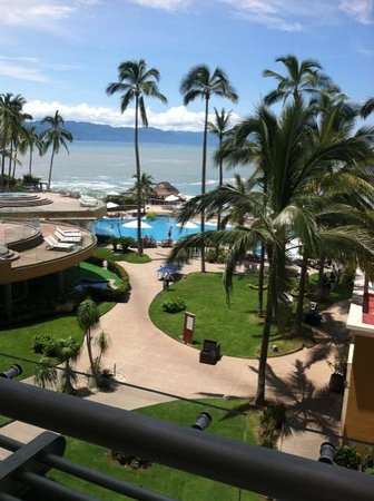 Sunset Plaza Beach Resort & Spa: the resort