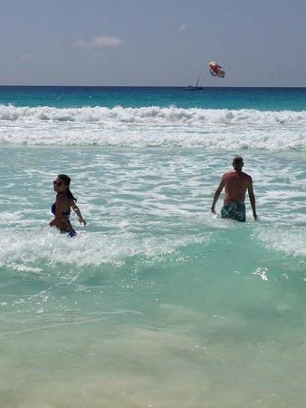 JW Marriott Cancun Resort & Spa : Perfect turquoise water