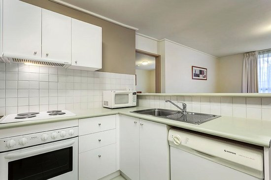 Quality Inn & Suites Knox: One Bedroom Kitchen