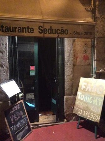 Restaurante Seducao: entrance - avoid it!!!