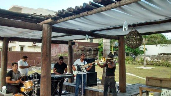 Hotel B Cozumel: Musica latina en vivo