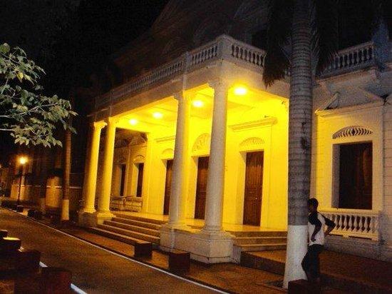 Parque de Los Novios: Palacio de Justicia