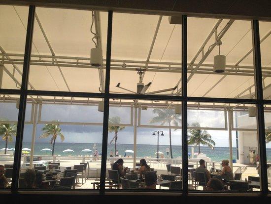 The Westin Beach Resort, Fort Lauderdale: Desayunando en Shula's, bellisima vista!