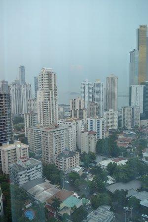 Hotel Riu Plaza Panama : Vista do quarto