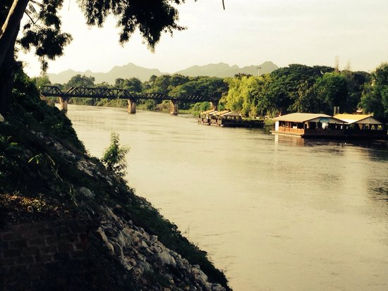 U Inchantree Kanchanaburi: View from the hotel water's edge