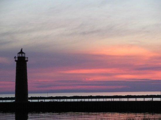 Pere Marquette Park: sunset