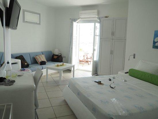 Yades Suites-Apartments-SPA: room