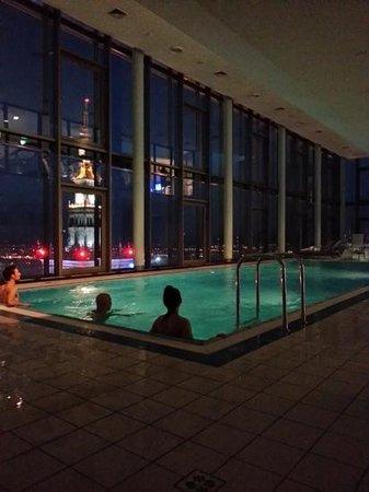 InterContinental Hotel Warsaw: Pool area