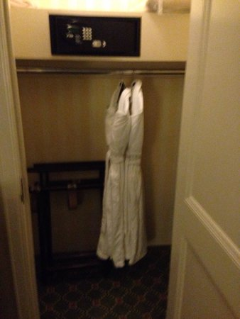 Waldorf Astoria New York: Great closet with two robes