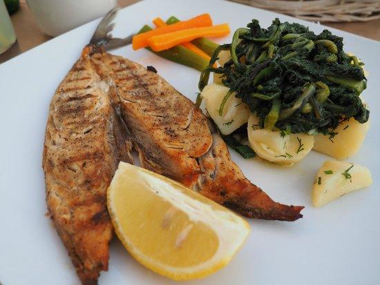 Restaurant Karina: Main - Paros salted fish
