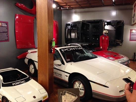 Pontiac-Oakland Automobile Museum: Nice Fiero display