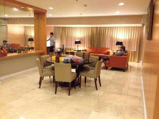 The Linden Suites: suite