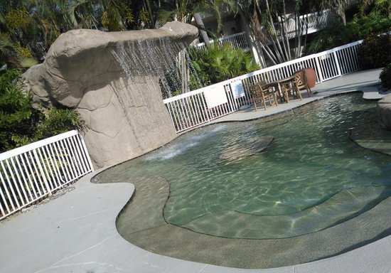 Hampton Inn Clearwater Central : waterfall