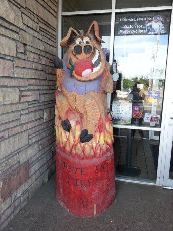 Pokeys BBQ & Smokehouse: Carved piggy