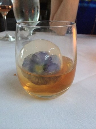 Golden Pheasant Inn: nasturtium whisky cube - amazing!!