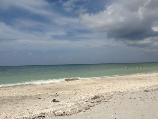 Captiva Island Inn Bed & Breakfast: Stretches of quiet beach