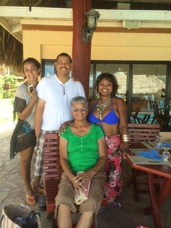 Belizean Dreams : Enjoying a day by the pool w/ family
