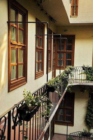 Casati Budapest Hotel: Проход к номеру