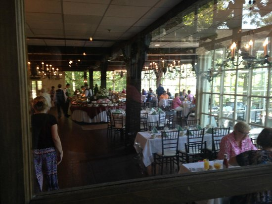 The Historic Smithville Inn : Main Dining room/event space/buffet