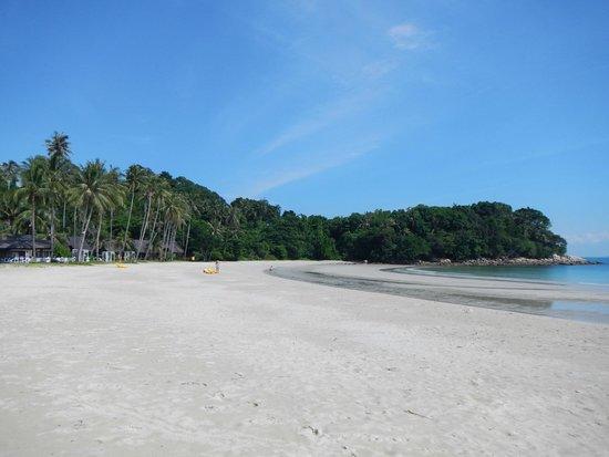 Nirwana Gardens - Mayang Sari Beach Resort : Beach