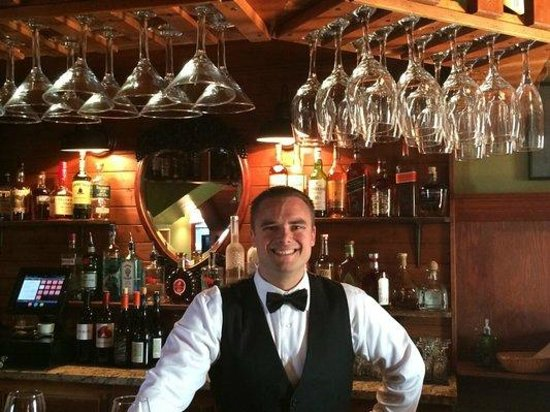 The Oyster & Thistle Restaurant and Pub: Kyle, the bartender extraordinaire