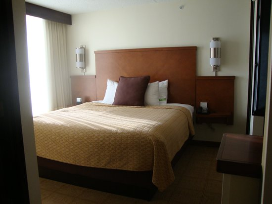 Hyatt Place Tulsa-South/Medical District : Bed