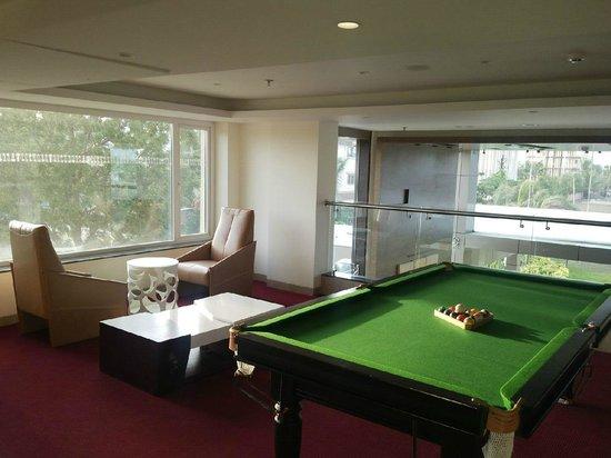 Keys Prima Hotel Temple Tree : Indoor Pool table
