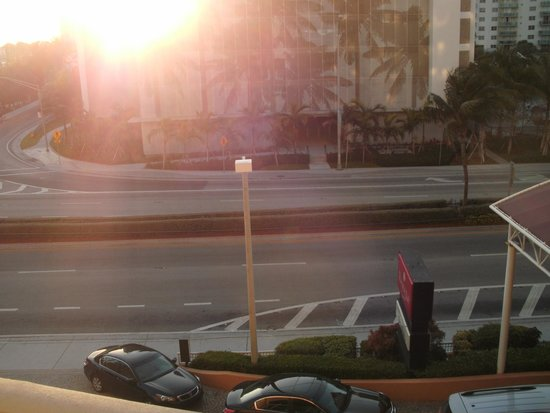 Ramada Plaza Marco Polo Beach Resort : STREET VIEW