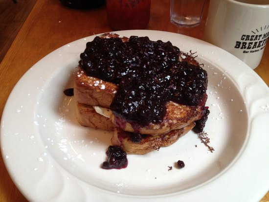 Jeannie's Breakfast : Stuffed French Toast with Blueberry topping