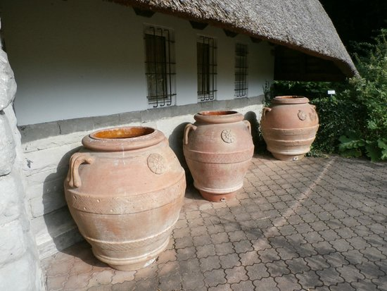 Park im Gruene: Clay pots