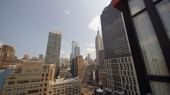Doubletree Hotel Chelsea - New York City : View of the Empire State from balcony.
