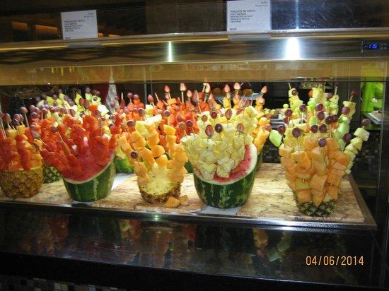 Barcelo Maya Tropical : fruta en el comedor