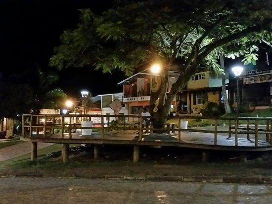 Hotel Pousada Natureza: Praça em frente a Pousada Natureza