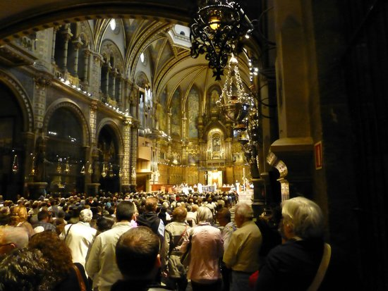 Barcelona Turisme - Afternoon in Montserrat Tour : Inside the cathedral