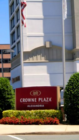 Crowne Plaza Hotel Old Town Alexandria: Centrally located well maintained hotel