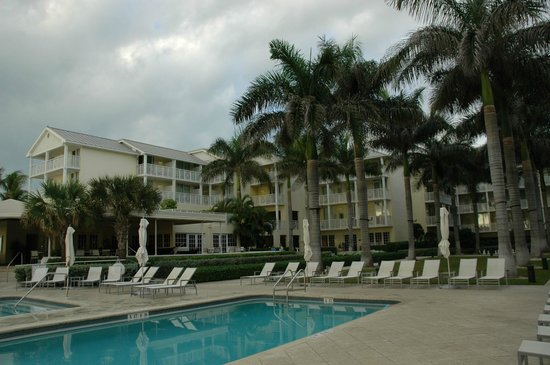 The Reach Key West, A Waldorf Astoria Resort: Hotel's building