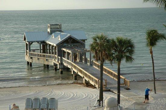 The Reach Key West, A Waldorf Astoria Resort: Hotel's pier