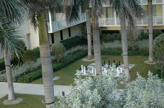 The Reach, A Waldorf Astoria Resort: Chess pieces