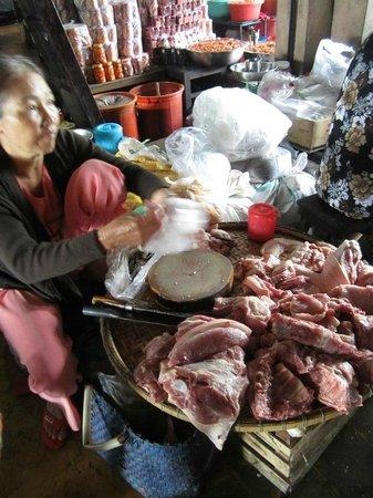 Kangaroo Hue - Day Tours: Markets