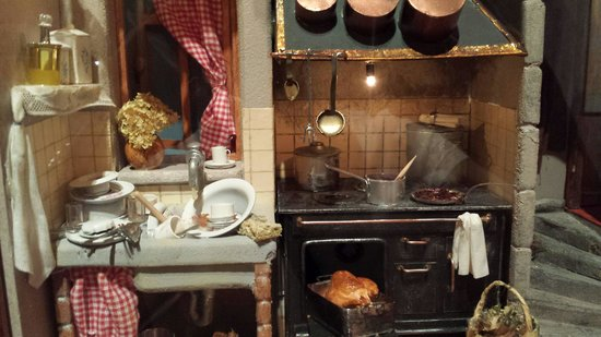 The Mini Time Machine Museum of Miniatures: Kitchen
