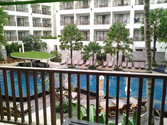 Deevana Plaza Phuket Patong : robin