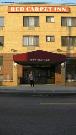Red Carpet Inn: Hotel